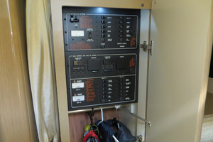 37' Formula 37 Pc 2014 Electrical Panel