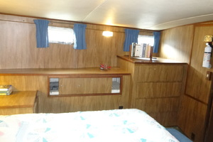 56' Morgan Long Range Cruiser 1971 MASTER STATEROOM