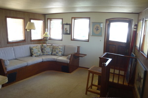 56' Morgan Long Range Cruiser 1971 MAIN SALON