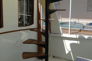 56' Morgan Long Range Cruiser 1971 STAIRS TO FLYBRIDGE
