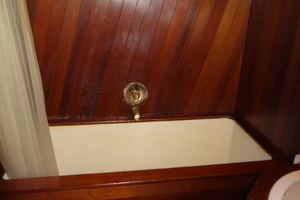 56' Morgan Long Range Cruiser 1971 MASTER HEAD  / TUB /SHOWER