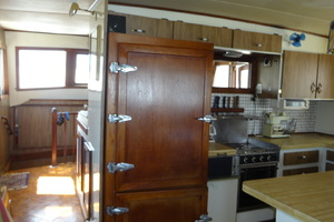 56' Morgan Long Range Cruiser 1971 ON DECK GALLEY