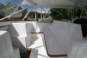 54' Scarborough Ricky Scarborough Custom Carolina Express 2004 L Shaped Settee on Bridgedeck