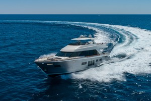 76' Lazzara  2012 Starboard Profile Running