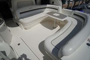 44' Sea Ray Sundancer 2006 Cockpit