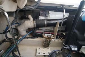 44' Sea Ray Sundancer 2006 Generator Exhause