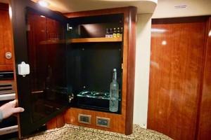 44' Sea Ray Sundancer 2006 Liquor Cabinet