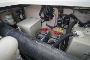 44' Sea Ray Sundancer 2006 Stbd Engine Room
