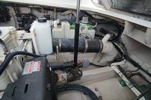 44' Sea Ray Sundancer 2006 Aft Stbd Engine Room