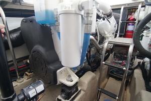 44' Sea Ray Sundancer 2006 Fwd Port Engine Room