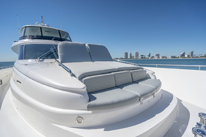 94' Horizon Flybridge Motor Yacht 2016 FOREDECK CHAISE LOUNGES WITH ADJUSTABLE BACKREST