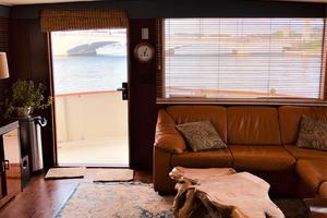 61' Hatteras 61 Motor Yacht 1981 SALON