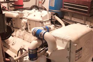 61' Hatteras 61 Motor Yacht 1981 ENGINE