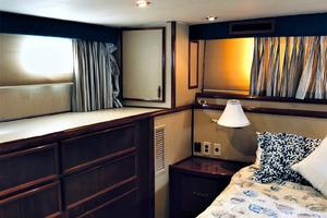 61' Hatteras 61 Motor Yacht 1981 MASTER