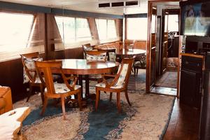 61' Hatteras 61 Motor Yacht 1981 DINING