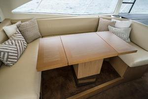 49' Beneteau 49 Gt 2014 Expandable Table