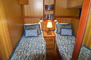 70' Marlow 70e Explorer 2004 Twin Guest Stateroom