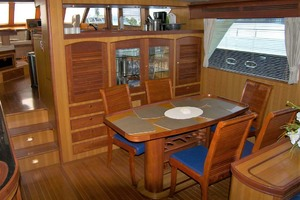 70' Marlow 70e Explorer 2004 Dining Are
