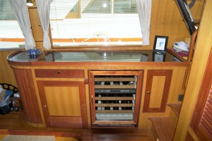 70' Marlow 70e Explorer 2004 Wine Coolr and Wetbar