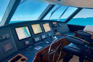 70' Viking Enclosed Bridge 2012 Helm
