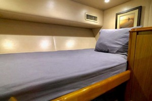 70' Viking Enclosed Bridge 2012 Guest Bunks