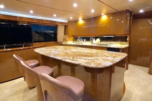 70' Viking Enclosed Bridge 2012 Breakfast Bar