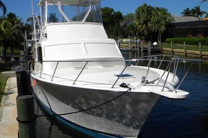 43' Post 43 Sport Fisherman 1989 Dockside Bow