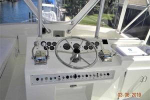 43' Post 43 Sport Fisherman 1989 Dockside Flybridge Console