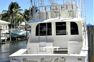 43' Post 43 Sport Fisherman 1989 Dockside Stern