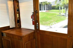 43' Post 43 Sport Fisherman 1989 Salon Aft - Door - Wet Bar - Cabinet