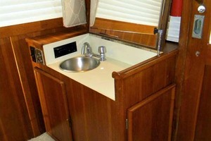 43' Post 43 Sport Fisherman 1989 Salon Aft - Wet Bar Open