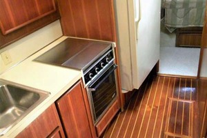 43' Post 43 Sport Fisherman 1989 Galley Forward