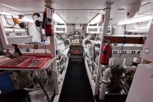105' Broward Custom Extended 1990 Engine Room Looking AFt