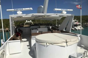 105' Broward Custom Extended 1990 Boat Deck Hot Tub