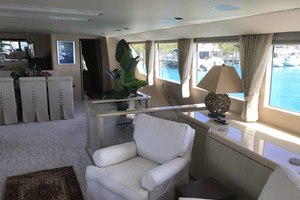 105' Broward Custom Extended 1990 Salon to Starboard