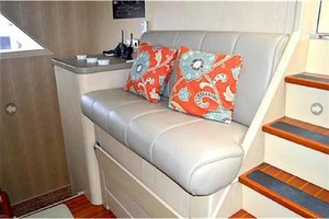 105' Broward Custom Extended 1990 Pilothouse Helm Seat