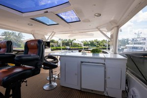 65' Neptunus Flybridge Motor Yacht 2000 Flybridge Bar
