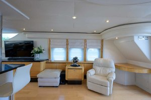 65' Neptunus Flybridge Motor Yacht 2000 Salon to Starboard