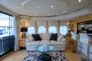 65' Neptunus Flybridge Motor Yacht 2000 Salon to Port