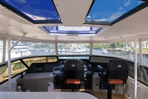 65' Neptunus Flybridge Motor Yacht 2000 Sunroof