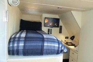 65' Neptunus Flybridge Motor Yacht 2000 Crew Cabin