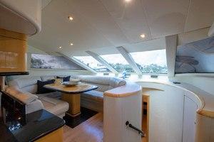 65' Neptunus Flybridge Motor Yacht 2000 Dining Area