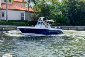 33' Everglades 335 Cc 2019