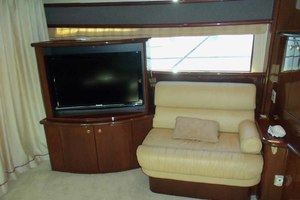 62' Neptunus Sedan Cruiser 2008 Salon to Port