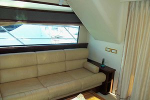 62' Neptunus Sedan Cruiser 2008 Salon Settee