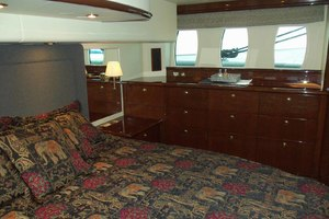 62' Neptunus Sedan Cruiser 2008 MasterLookingPort
