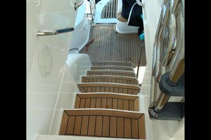62' Neptunus Sedan Cruiser 2008 Flybridge Steps