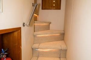 75' Hatteras 75 Motor Yacht 2004 Master Stairwell