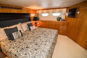 75' Hatteras 75 Motor Yacht 2004 Master Port
