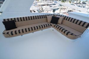 75' Hatteras 75 Motor Yacht 2004 L-Shaped Seating Port